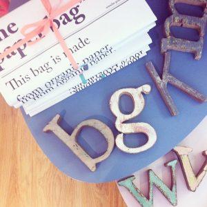 letras-madera-recicladas-deco-maow-design-shop-coruña
