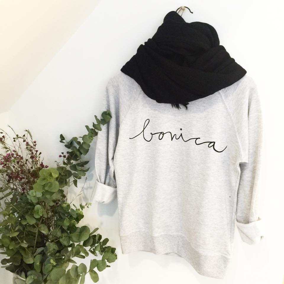 sudadera-bonica-maow-design-shop-en-love-it-sara