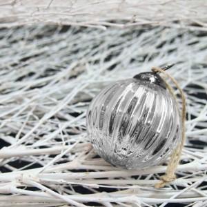 adorno-xmas-bola-cristal-plata-M-maow-design-shop