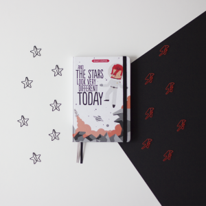 libreta-and-the-stars-look-very-different-today -superbritanico-maow-design-shop