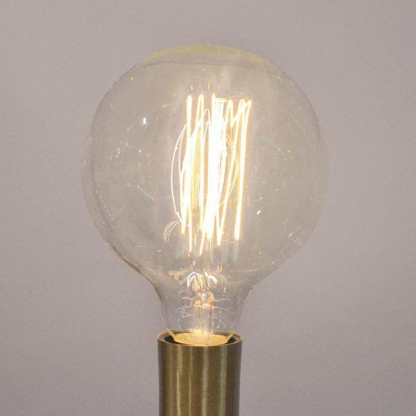 Lampara gigante lampara gigante with lampara gigante e y el rosetn metalico hay simplemente - Lamparas bombilla gigante ...