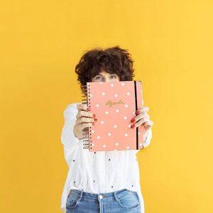 agenda-escolar-charuca-rosa-dia-L-maow-design-shop
